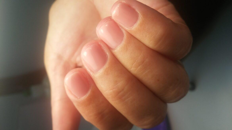 Softandshiny-opwijk-huidverbetering-schoonheidssalon-nagels-gelnagels-huid-antaging-microneedling-suikerontharing-permanenteontharing-massages-bruid-makeup-pigmentatie-acné- eczeem-bbglow-bindweefsel-rimpels-openporie-vettehuid-arrangement-bruisbal-bad-geurkaars-reiniging-ritueel-gelaat-henna-brows-fruitzuur-fruitzuurpeeling-peeling